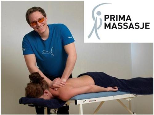 John Arne Nordholmen er massør. Han er dyktig på idrettsmassasje og holder til på klinikken Hud på Aker Brygge, men driver sitt eget firma Prima Massasje. Anbefales!