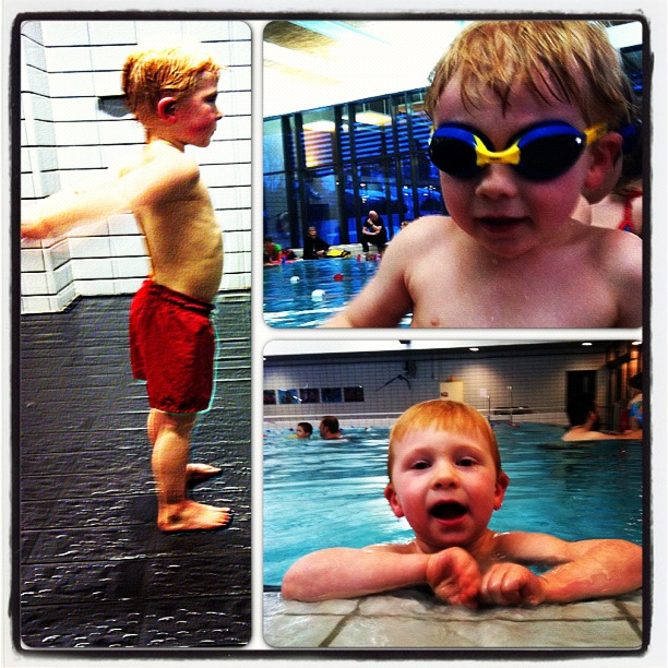 Å være med Magnus på svømmekurs er ren glede, for blidere gutt i vannet skal du lete lenge etter. Dessverre ble kurset stoppet etter fem minutter siden noen bæsja i vannet, men vi prøver igjen denne uka!