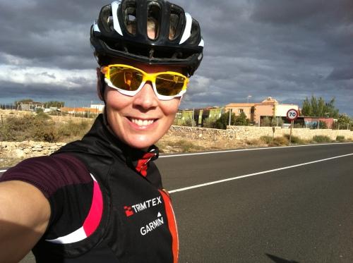 Glad for at jeg overlevde bakkedragene og utforkjøringene! Faktisk en veldig god dag på sykkelen :-)