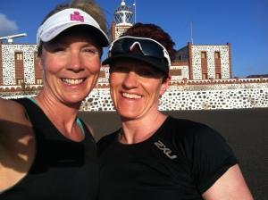 Mette og jeg ved the Lighthouse. En tur som er ca 15 km tur retur. Stigningen opp til fyret er tøff, men utsikten er verd bryet.