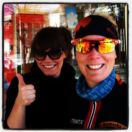 Silje Marie og jeg svømte sammen i Larvik da vi var yngre. Nå sikret jeg meg et par nye shades fra Oakley hos henne. Tusen takk :-)