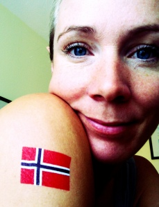 Jeg har fått meg norske flagg fra Boldstatements.no som passet veldig bra i dag (og på søndag så klart!).