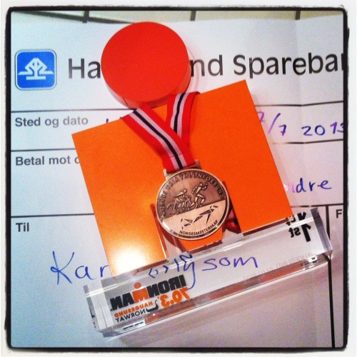 Ironman-statuett, bronsemedalje og 1500 kroner fra forbundet. Jepp - det var en god dag i Haugesund!