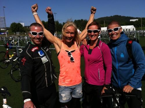 Møtte to slitne gutter fra Team Metaresource da vi hentet syklene i skiftesonen etter målgang.