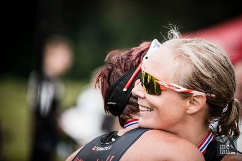 Jeg var så sliten og så langt nede, men fikk verdens beste mottagelse av Mette da jeg kom i mål. Foto: Jørgen Melau.