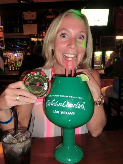 Hva passer vel bedre til en dehydrert kropp enn en monsterdrink i vanlig Vegas-størrelse??