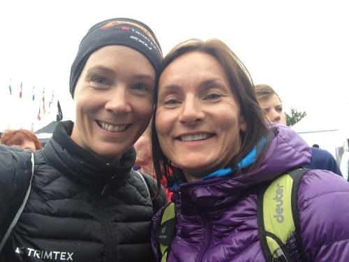 Her er Anne og jeg klare til start på dagens konkurranse. Anne tok for øvrig en klar gullmedalje i sin klasse. Verdensmester for tredje år på rad! Kjempeprestasjon, og gratulerer så mye.