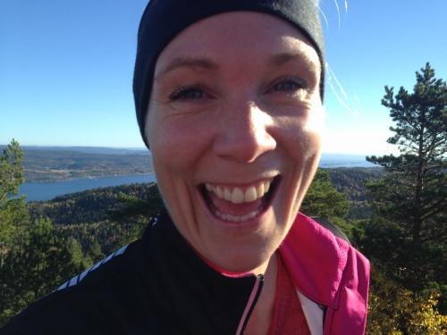 Kari Lingsom på toppen av Hvittingen