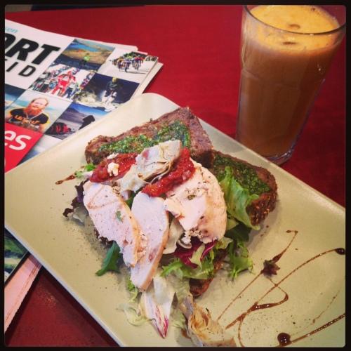 Kafeen ved SATS Njårdhallen har sunn og god mat etter trening. Perfekt når sulten melder seg og jeg bare ikke kan vente med mat til jeg kommer hjem!