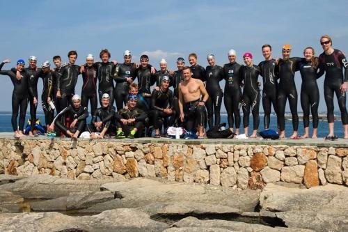 Vi er en stor gruppe på tur. Over 20 utøvere - nesten alle med svømmebakgrunn. Foto: Joachim Willen