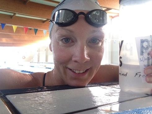 Kari ferdig med svømmetrening