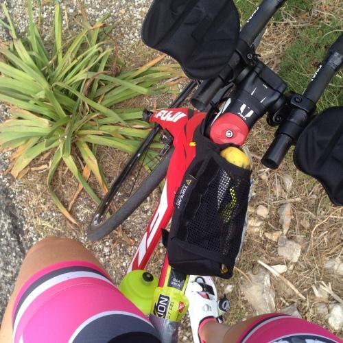 Når Kristian og jeg sykler langtur er det liten tid til å stoppe for mat og kaffe underveis. Da gjelder det å laste sykkelen godt med proviant!