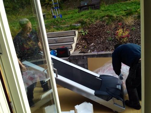 Selve mølla lå trygt inne i esken sin hele tiden, helt til den ble pakket ut på terrassen.