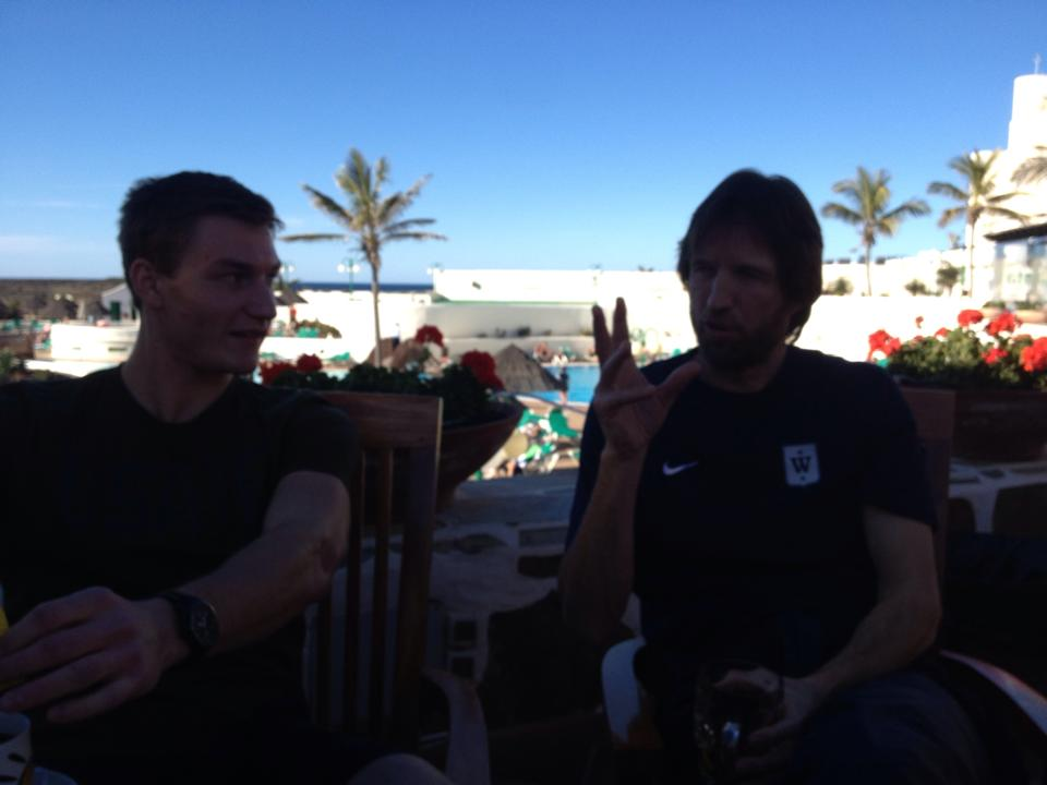 Thomas Röhler og Dietmar Mögenburg i dyp samtale under gårsdagens lunsj.