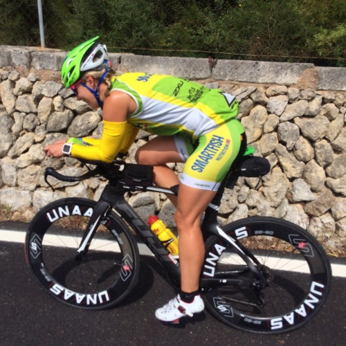Kari på Fuji Norcom sykkel