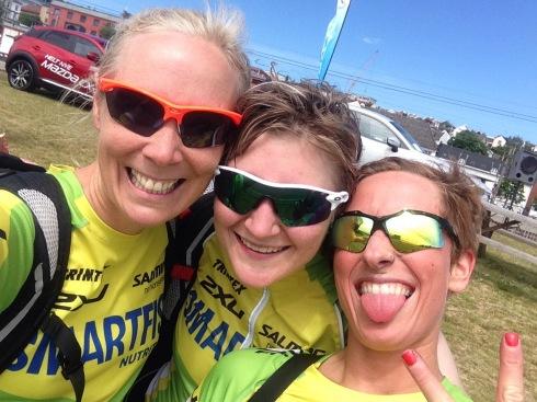 Her med Andrea og Mia som begge debuterte med glans på triatlon i går.