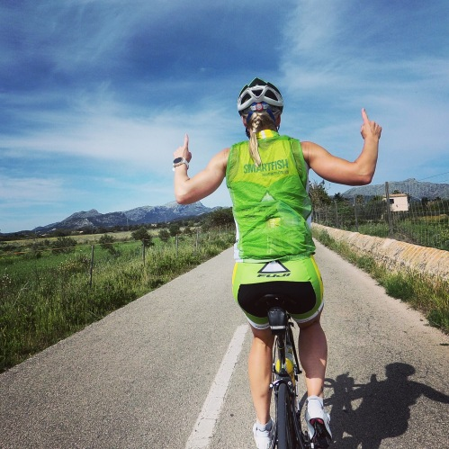 Kari sykler uten hender