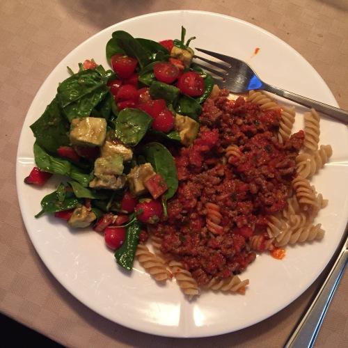 Kjøttdeig og spagetti med spinatsalat er en slager hos oss.