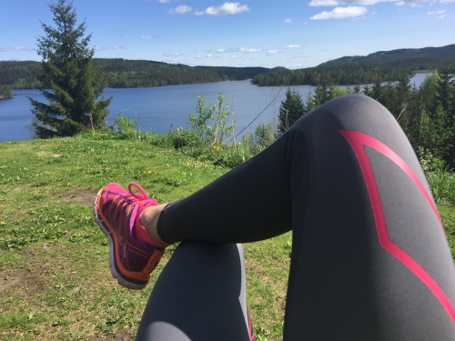 Jeg har løpt flere langturer i uka de siste månedene. Gjerne tur retur Kikut fra Sognsvann. Hit har jeg løpt med både Distance, Miles og Trail.