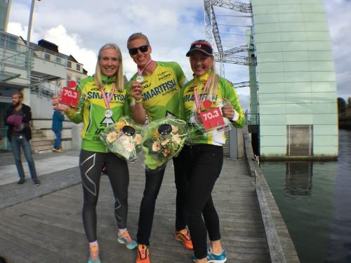 Vi var flere fra teamet som tok NM-medaljer i helgen. Her er vi med Sondre Risdal Solheim som tok sølv i sin klasse.