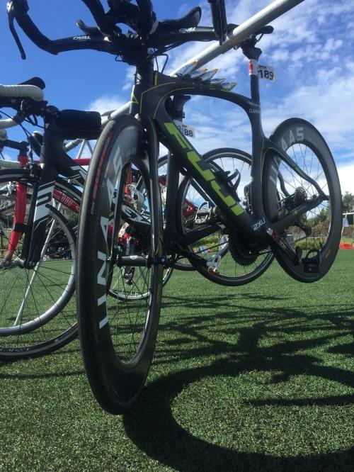 Himmelen var blå da jeg hang sykkelen på plass dagen i forveien. Ikke fullt så blått på raceday!