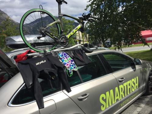 Vel tilbake på land fikk utstyret henge til tørk på bilen mens jeg skiftet til overgang sykkel.