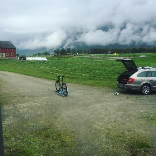 Jeg skjermet meg selv fra alt i Eidfjord og gjorde den siste økta på rulla hjemme hos Olavs foreldre på Bu.