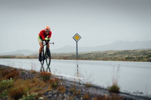 Kari sykler Imingfjell